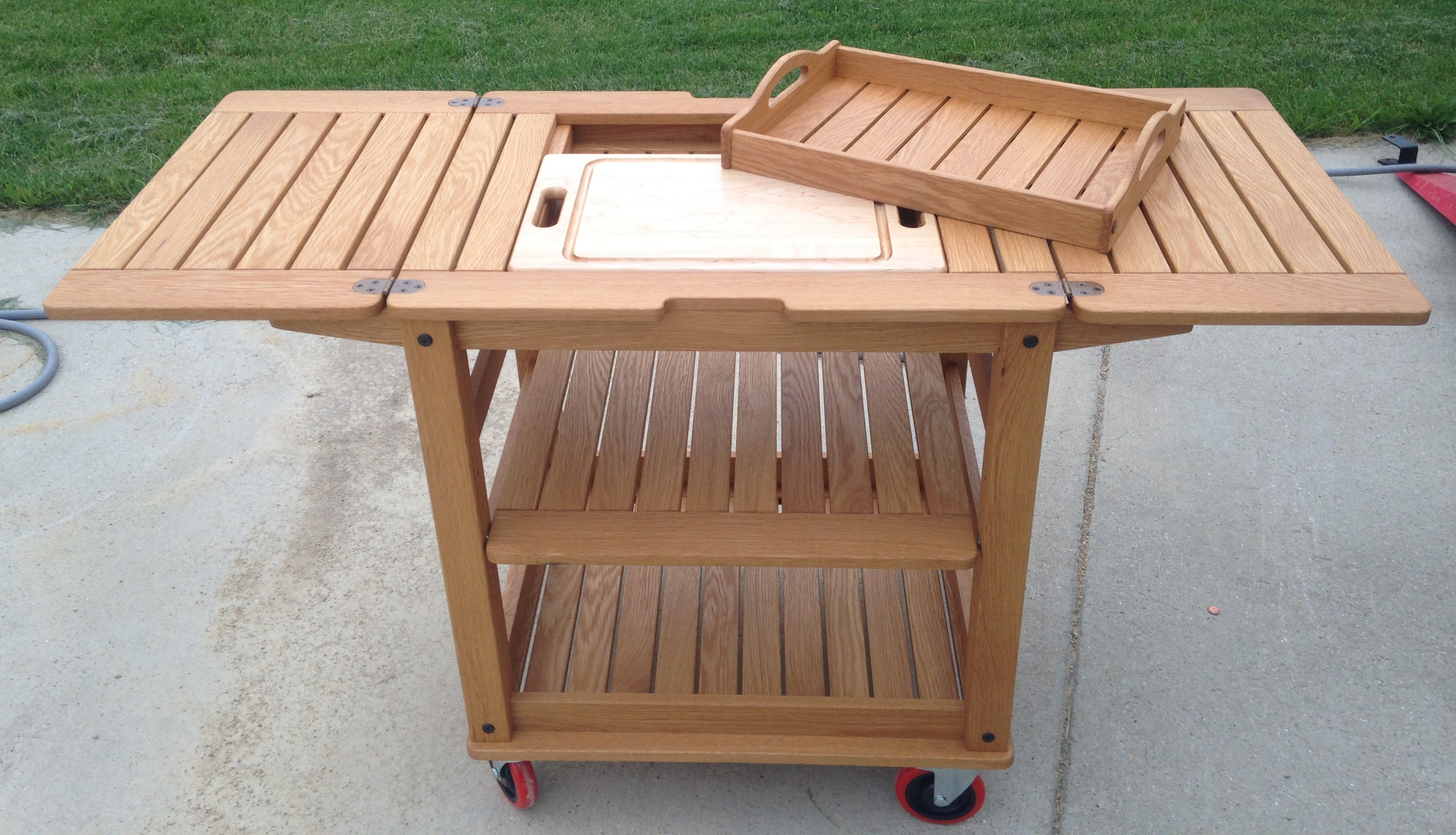 Portable Grill Table In Oak With Maple Cutting Board